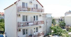 Размещение в отеле АкунаМатата Саки Крым